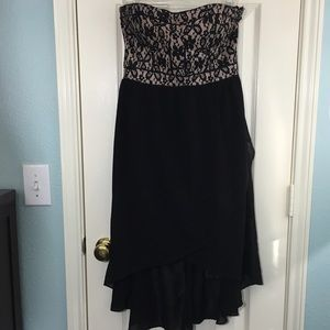 Maude Dresses & Skirts - Maude Black Lace Strapless Dress HiLo Tulip