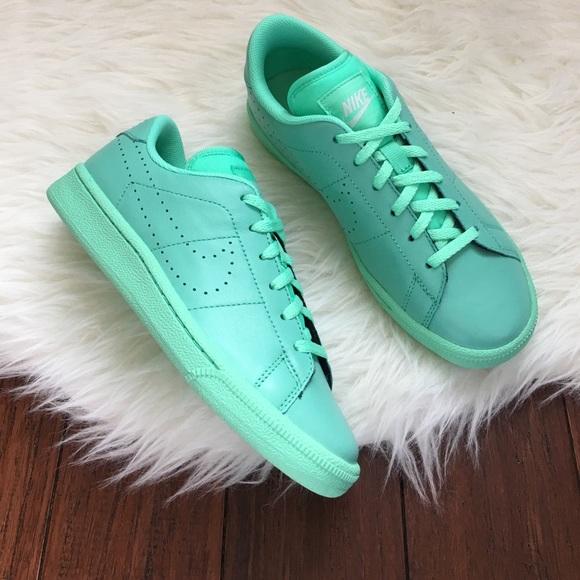 9c1dd4471307 Nike Mint Green Premium Classic Tennis Shoes