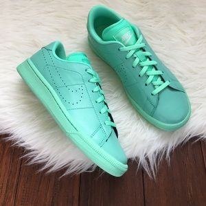 Nike Shoes - Nike Mint Green Premium Classic Tennis Shoes