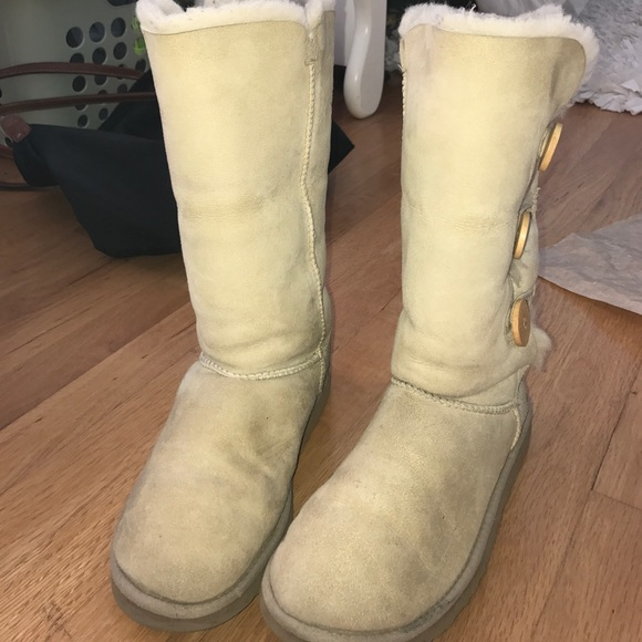 d596c053d65 Sand bailey button triplet Ugg boots