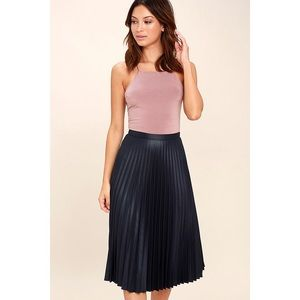 🆕 Like A Phenomenon Black Pleated Midi Skirt