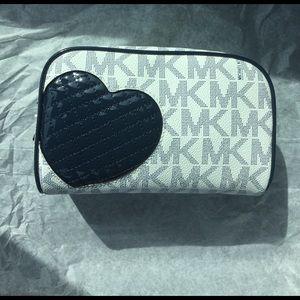 Michael Kors Handbags - Michael Kors cosmetic case