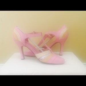 Shoes - XOXO PINK HEELS