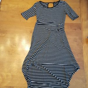 Dresses & Skirts - Stretchy Casual Summer Dress