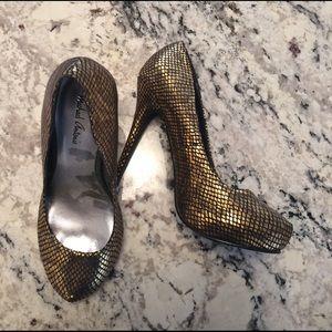 Michael Antonio size 7 heels
