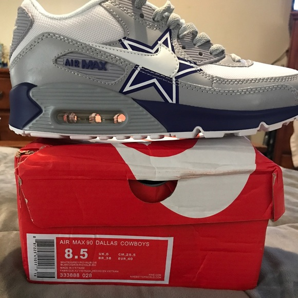 pretty nice 15cc9 a05f1 Dallas Cowboys Nike Air Max NWT