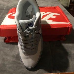 5827ea322584 Nike Shoes - Dallas Cowboys Nike Air Max