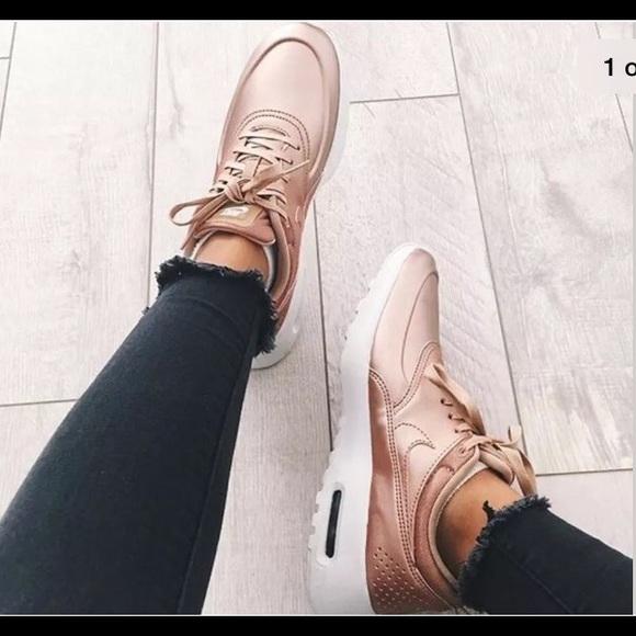 air max thea se sneaker rose gold