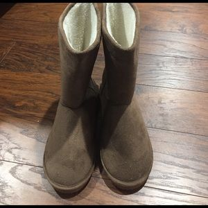 Room for Fashion Shoes - Room of Fashion Size 7.5 Faux Fur Lined Boots