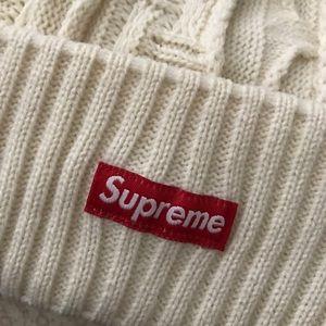 7e1ba58308b Supreme Accessories - Brand New Supreme Off White Cosby Beanie