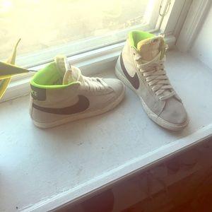 d926eeddf16f ... boots Nike SB Blazers Jcrew Dr. Martens Teresa ...