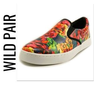 Wild Pair Shoes - Bright Rosy Sneakers NIB 8