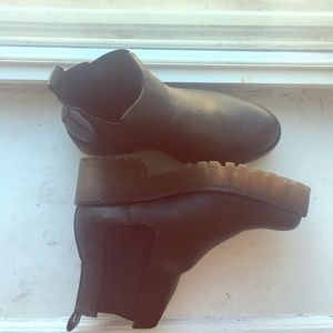 cc6f2d0d71b6 ... H M platform boots Nike SB Blazers Jcrew Dr. Martens Teresa ...