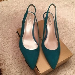 DKNY Shoes - DKNY Suede leather pumps! 🔥❤
