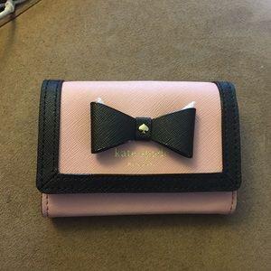 NWT Kate spade Hazel Court Darla wallet