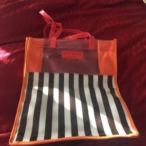 henri bendel Handbags - Hendri Bendel plastic tote