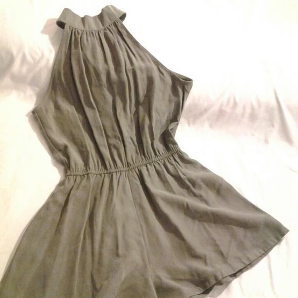 5c7c8ec62d7d Olive green halter shorts romper jumpsuit. M 58bb33c46a5830952f0190b9