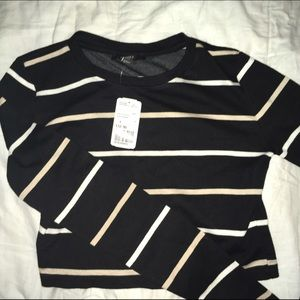 Black striped long sleeve cropped top