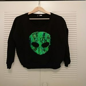Black sweater with sequin alien ?? head, L