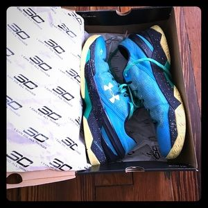Under Armour Other - PRICE DROP ⬇️ Under Armour Curry Low 2 & UA Box
