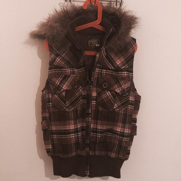 f97e2463f46 Jackets   Blazers - ⭐️BOGO⭐ Women s Faux Fur Lined Hooded Vest