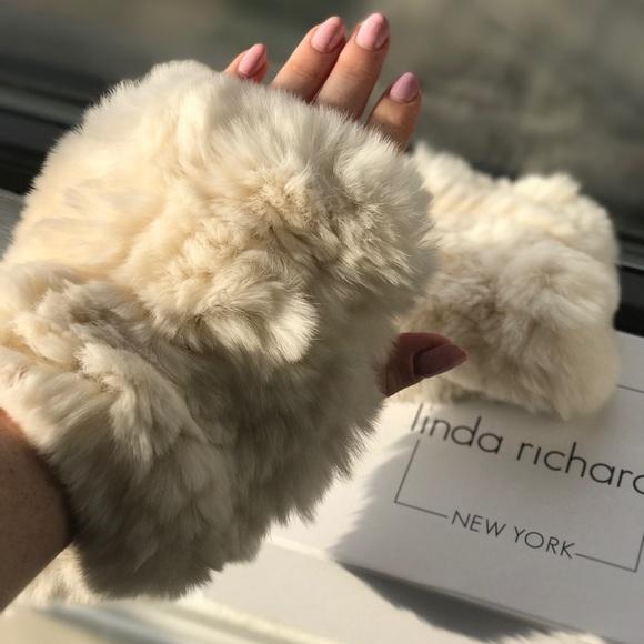 13f6398c8 Linda Richards Genuine Rex Rabbit Fur Hand Warmers