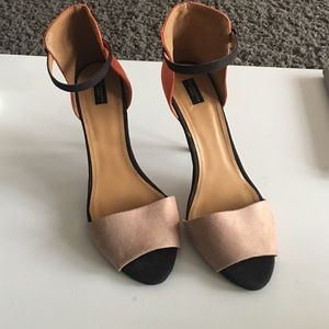 Like new Zara collection by basic orange Black Tan