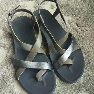 2e9e794536a OluKai Shoes - OluKai Upena Sandals Charcoal Pewter Like New Sz 8