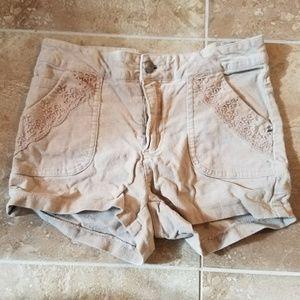 Pants - Beige shorts
