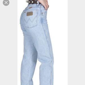 Wrangler Denim - ✔️VINTAGE✔️light wash Wranglers jeans