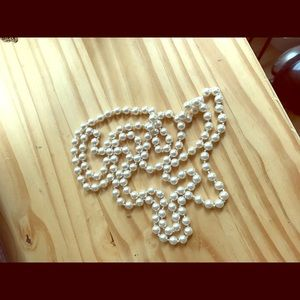 Jewelry - Long pearl necklace