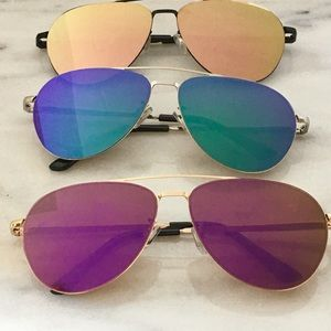 WILA Accessories - NEW!  Aviator mirrored sunglasses
