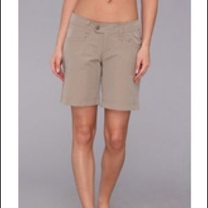 Royal Robbins Pants - NWT Royal Robbins UPF 50+ Lt Taupe women shorts 8