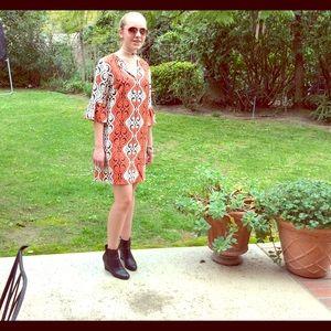 Tahari Dresses & Skirts - Vintage Tahari silk dress