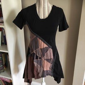 Tops - Asymmetric Patterned top
