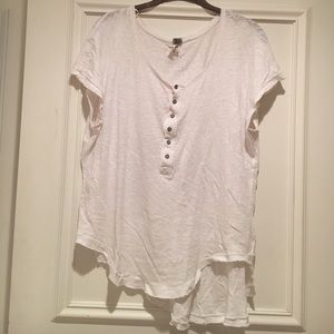 Free People white t shirt with buttons