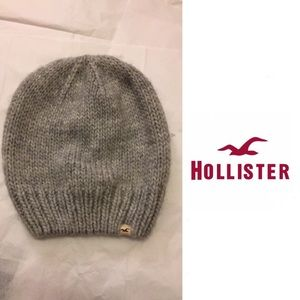 Hollister Accessories - EUC Hollister Knit Wool Beanie in Gray