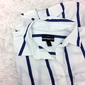 J. CREW white+blue striped boy styled button up
