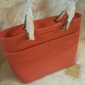 Michael Kors Handbags - NWT* Michael Kors Bedford Tote*