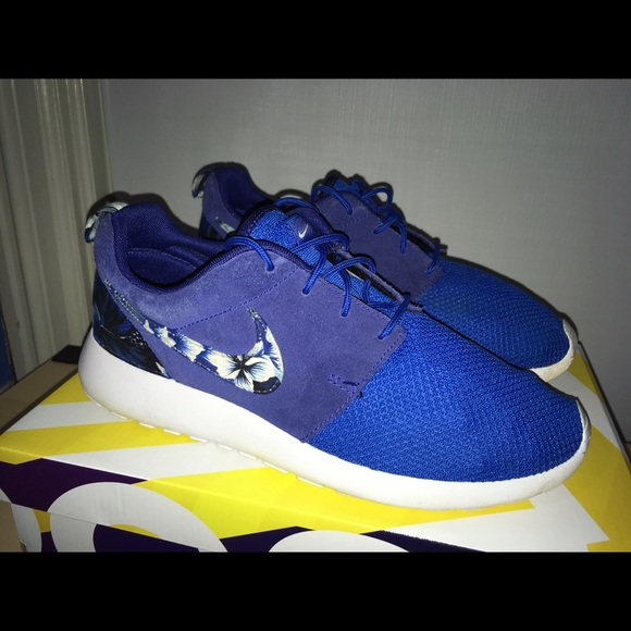 the best attitude 0cddd bf431 Custom Nike Roshe Runs