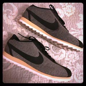 Nike Shoes - Nike Cortez SE - Black, Grey and Vachetta Tan