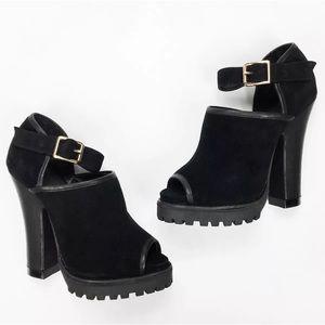 NEW 7.5 Shellys London Black Suede Platform Heel
