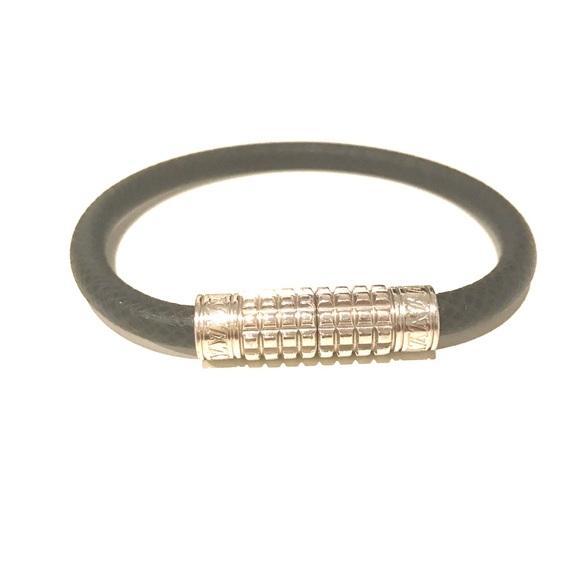 d17ddeb968b1 Louis Vuitton Other - Louis Vuitton Ardoise Digit Bracelet