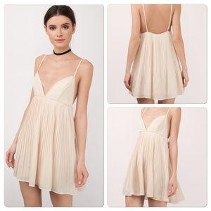 Tobi Dresses & Skirts - Tobi pleated dress S