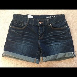Gap size 26 shorts EUC