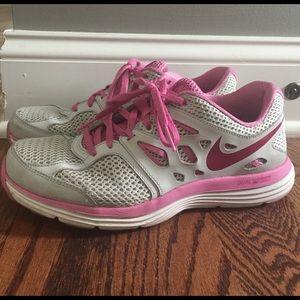 Nike Shoes - Nike woman's shoes