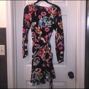 Yumi Kim Dresses & Skirts - Final sale! Yumi Kim long sleeve wrap dress