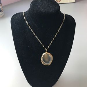 Jewelry - Handmade sliced agate necklace