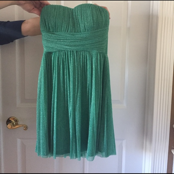 Delia's Dresses & Skirts - NWOT Emerald Green Sparkly Strapless Dress