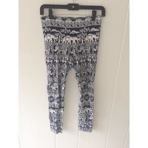 Elephant Pants Pants - Blue Elephant Pants Capri Leggings